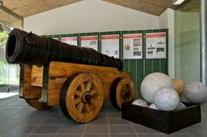 """Der Nachbau eines Geschützes in der Art der """"Faulen Grete"""", welches zur Hohenzollern-Ausstellung 2012 in Tangermünde zu sehen war. Foto: Dr. Partenheimer"""