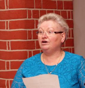 Helga Klein, Vorsitzende des Heimatvereins Großderschau, brachte einen plattdeutschen Beitrag mit.