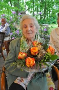 Käthe Lörzer ist nun Ehrenmitglied im Heimatverein