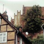 1991-21-Eine Tour durch Havelberg, Blick von der AVUS zur Stadtkirche St. Laurentius, Foto-© Heimatverein Havelberg e.V. – Repro fweDESIGN